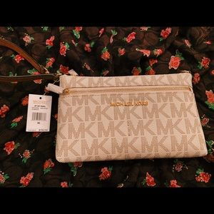 Michael Kors Wristlet NEW
